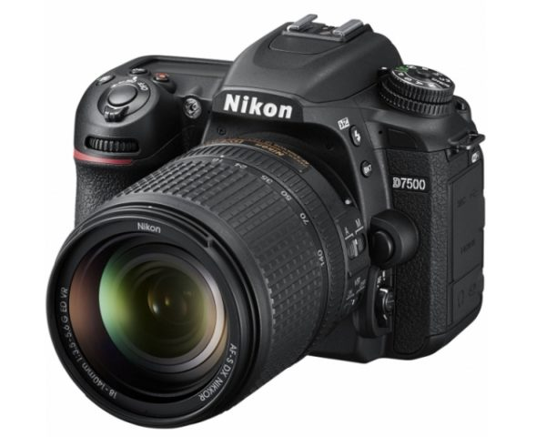 🇬🇧Nikon D7500 Digital SLR Camera with Nikon AF-S 18-140mm VR Lens €956 Warranty 3-5 Years Assistance In Italy🇮🇹 Multilingual Menu Included Italian